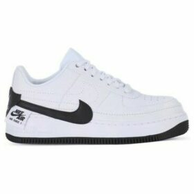 Nike  Air Force 1 Jester XX  women's Shoes (Trainers) in White