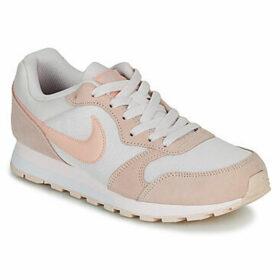 Nike  MD RUNNER 2  W  women's Shoes (Trainers) in Beige