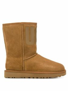 Ugg Australia round toe printed logo boots - Brown