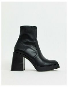 Stradivarius faux leather chunky pull on boot in black
