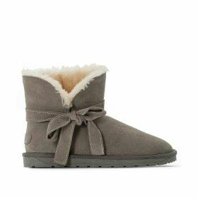 Furry Luna Bow Boots