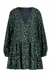 Womens Plus Ditsy Floral V-Neck Tiered Smock Dress - navy - 22, Navy