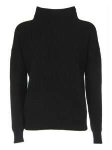 Turtleneck Pullover In Black