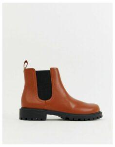 Monki Chelsea boots in faux leather in tan-Orange