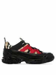 Burberry Arthur Vintage Check low-top sneakers - Black