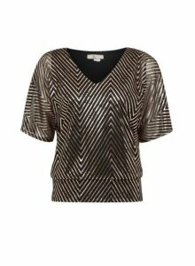 Womens **Billie & Blossom Petite Gold Zig Zag Print Batwing Top, Gold