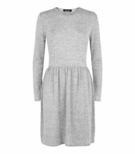 Grey Fine Knit Long Sleeve Tiered Mini Dress New Look