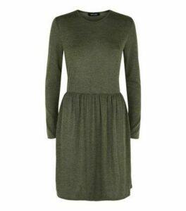 Khaki Fine Knit Long Sleeve Tiered Mini Dress New Look