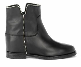 Via Roma 15 Boot In Black Leather With Round Studs And Slits