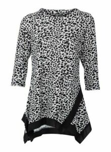 Womens Izabel London Grey Animal Print Top, Grey