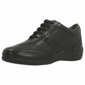 Stonefly  VENUS II 61  women's Shoes (Trainers) in Black