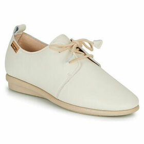 Pikolinos  CALABRIA W9K  women's Casual Shoes in White