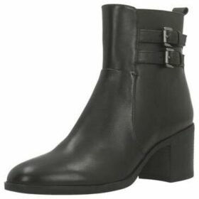 Geox  D GLYNNA  women's Low Ankle Boots in Brown