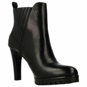 Joni  17184J  women's Low Ankle Boots in Black
