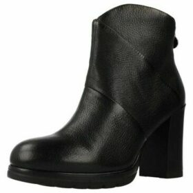 Stonefly  OVER 9  women's Low Ankle Boots in Black