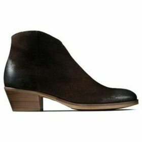 Clarks  Mila Myth  women's Low Ankle Boots in Brown