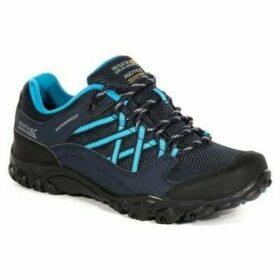 Regatta  Edgepoint III Walking Shoes Blue  women's Sports Trainers (Shoes) in Blue