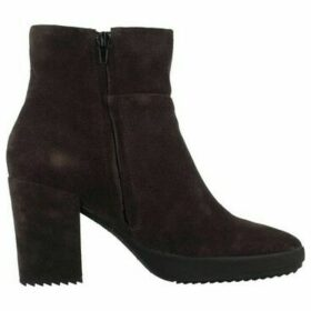 Stonefly  OPRAH 7  women's Low Ankle Boots in Brown