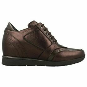 Stonefly  JACKIE 10 LAMINATED  women's Shoes (Trainers) in Brown