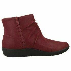 Clarks  SILLIAN TANA  women's Low Ankle Boots in Purple
