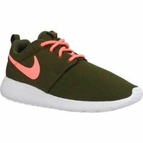 Nike  ROSHE RUN  women's Running Trainers in Green