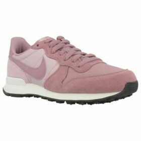 Nike  INTERNATIONALIST  women's Shoes (Trainers) in Pink