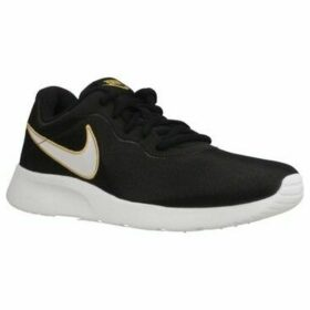 Nike  WMNS  TANJUN SE  women's Shoes (Trainers) in Black