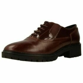 Geox  D PEACEFUL  women's Smart / Formal Shoes in Brown