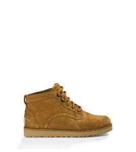 UGG Women's Bethany Boot in Chestnut, Size 9