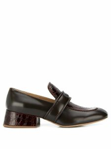 Chloé logo embossed loafers - Brown