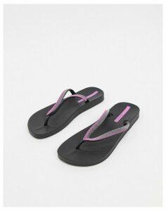 Ipanema Anatomica Lovely 21 flip flop sandal in black