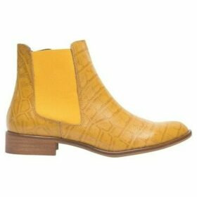 Cuplé  Chelsea boots with python print  women's Low Ankle Boots in Yellow