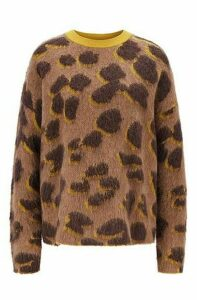 Relaxed-fit sweater in leopard jacquard knit