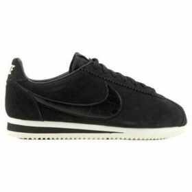 Nike  Wmns Classic Cortez Suede  women's Shoes (Trainers) in Black