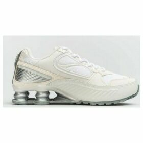 Nike  Wmns Shox Enigma 9000  women's Shoes (Trainers) in White
