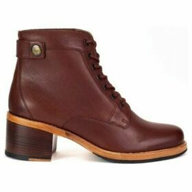 Clarks  Clarkdale Tone  women's Low Ankle Boots in Brown