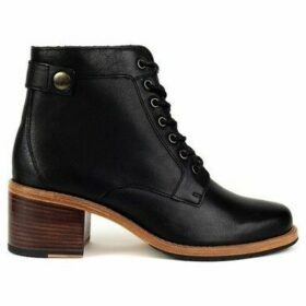 Clarks  Clarkdale Tone  women's Low Ankle Boots in Black