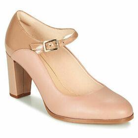 Clarks  KAYLIN ALBA  women's Court Shoes in Beige