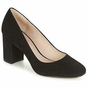 André  PENSIVE  women's Court Shoes in Black