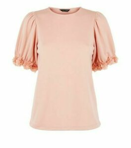 Pale Pink Floral Trim Puff Sleeve T-Shirt New Look