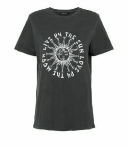 Dark Grey Mystic Acid Wash T-Shirt New Look