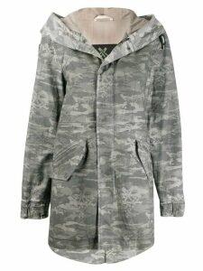 Mr & Mrs Italy camouflage print parka - Grey