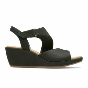 Un Plaza Sling Suede Wedge Sandals