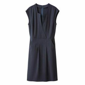 Short-Sleeved Flared Dress with Stylish Neckline