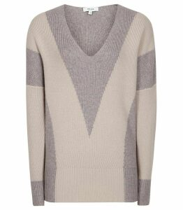 Reiss Erica - Chevron Patterned Jumper in Grey/white, Womens, Size XXL
