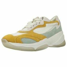 Geox  D KIRYA B  women's Shoes (Trainers) in Yellow