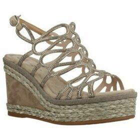 Alma En Pena  V20271  women's Sandals in Beige