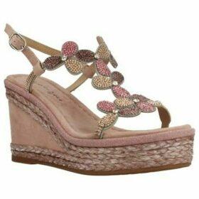 Alma En Pena  V20298  women's Sandals in Pink