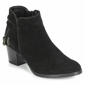 André  MISTINGUETTE  women's Low Ankle Boots in Black