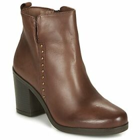 André  NOURA  women's Low Ankle Boots in Brown